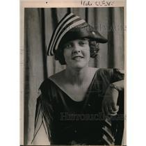 1922 Press Photo Small Joan of Arc turban of black satin striped w/ white