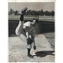 1940 Press Photo Reds pitcher Lee Grissom at spring training