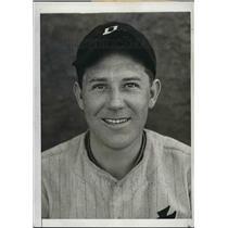 1934 Press Photo Detroit Tigers Pitcher Charles Fischer At Training Camp