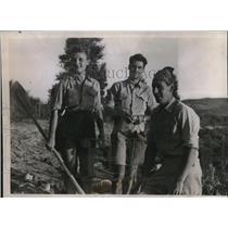 1938 Press Photo Madam Genevieve deClomont, M. Antoine de Seynes, B. de Clomont