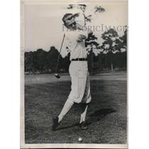 1933 Press Photo George Pipgras, Ace Pitcher of The New York Yankees Plays Golf