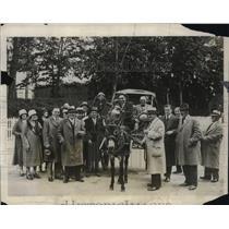 1931 Press Photo Portland, OR Mayor George Baker Peddles Milk