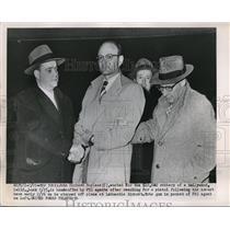 1952 Press Photo John Richard Bayless LaGuardia Airport
