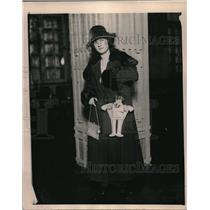 1919 Press Photo Mrs Claire Lamb of Philadelphia, Pa & Patsy the doll