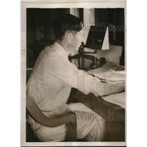 1938 Press Photo Alpheus Drinkwater sent first message of man's first flight