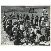 1937 Press Photo Treasure Seekers Boaters Catalina Island - neb56830