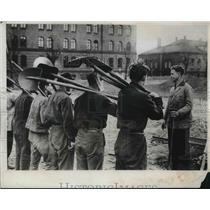 1933 Press Photo German Graduates Road-Building Squad To Labor At Brandenburg