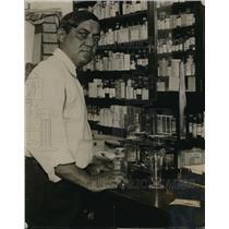 1924 Press Photo Mr C.C. Johnson, Indian chief pharmacist