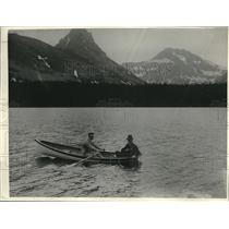 1923 Press Photo Tommy Gibbons & another man out fishing in a boat