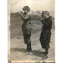 1923 Press Photo Walton Company Female Employees Shooting Guns - neb64221