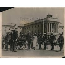 1931 Press Photo Lord & Lady Irwin upon their arrival for the inauguration
