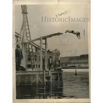 1923 Press Photo tot Jackie Ott doing high dive at Starlight Park, NY