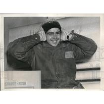 1938 Press Photo Chet Evans Workman Jersey City Warehosue