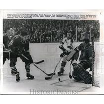 1965 Press Photo Rod Seiling, New York Rangers, Matt Ravlich Chicago Black Hawks