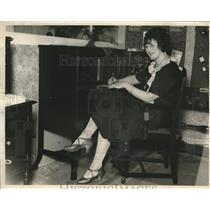 1925 Press Photo Financial Adviser Miss Mary McCarthy