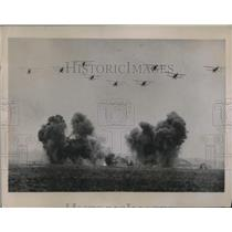 1936 Press Photo air attack demo at Tushinsky Aerodrome in Moscow