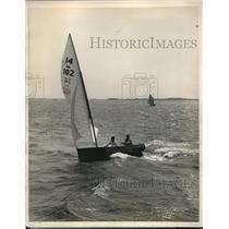 1927 Press Photo J.L. Rigg Wins 14-Foot Class Race Larchmont Yacht Club Regatta