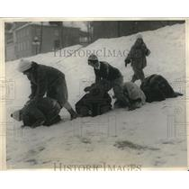 1925 Press Photo A game of leap frog in the snow at Quebec
