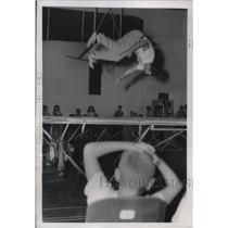 1955 Press Photo Trampoline instructor Eugene Fleek, Ft. Leavenworth, KS