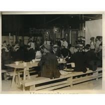 1927 Press Photo Interborough strike breakers at company dorms in NYC