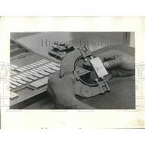 1931 Press Photo Johansson precision gauge blocks for car assembly measuring