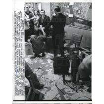1967 Press Photo Milwaukee Mayor Henry Maier's office after demonstrators sit-in