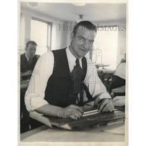 1931 Press Photo Bob Weiland, Chicago White Sox, Draftsman - nes06968