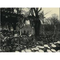 1922 Press Photo Sec of War Weeks at Grant memorial in D.C. - neb85642