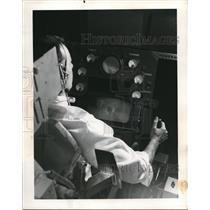 1963 Press Photo Man in landing simulator at the Boeing Co in Seattle Washington