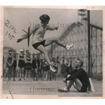 1921 Press Photo Alice Lord, Diver, Dick Landon, High Jumper, Brighton Beach