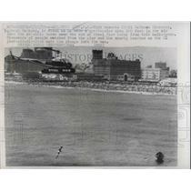 1959 Press Photo Atlantic City, NJ Joseph Hackney dives from 100 ft in Atlantic