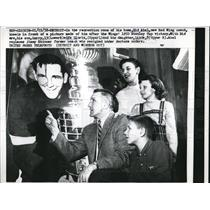 1958 Press Photo Detroit, Mich Red Wing coach Sid Abel & his family