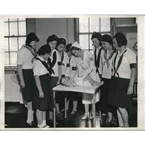 1933 Press Photo Camp Fire Girls at National Red Cross Society