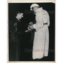 1938 Press Photo pilot Douglas Corrigan buying fuel for trans-Atlantic flight
