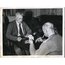 1943 Press Photo Sumner Warner & another man at a casino - neb73271