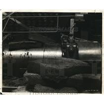 1928 Press Photo Machinery Shop Factory Tools