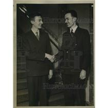 1934 Press Photo Paper carriers Ernest Malner & Joseph Wagner
