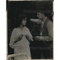 "1923 Press Photo Edna Mayo and Bryant Washburn in ""Blindness of Virtue"""