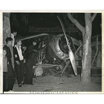 1939 Press Photo Wreckage of the plane of Harold Parker crash landing