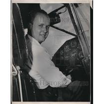1947 Press Photo Clifford V. Evans, Jr, to fly around the world - nec07314