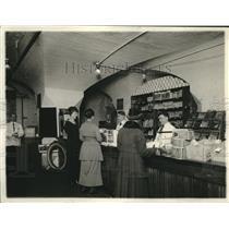 1920 Press Photo new Treasury store design in DC