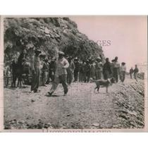 1923 Press Photo Part Of Road Gang Working On El Camino Nacional
