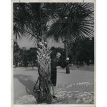 1943 Press Photo Shirley Caldwell, USNR, in Charleston, South Carolina