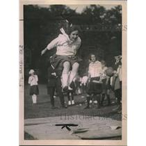 1921 Press Photo Broad Jump by Ethel Globerman of Brooklyn New York