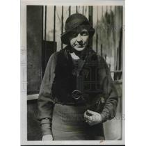 1933 Press Photo Ethel Coval rescued by French Police