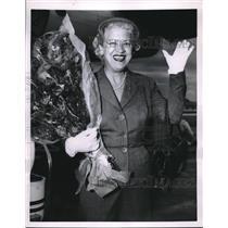 1955 Press Photo Jacqueline Cochran, Aviatrix Flashes Smile in Paris