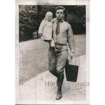 1938 Press Photo Peter Paul Bell Farmer With Baby Son On Road Looking For Work