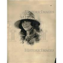 1922 Press Photo hat fashion by Cora Marson of Paris