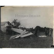 1925 Press Photo Plane Wreckage at Unknown Location