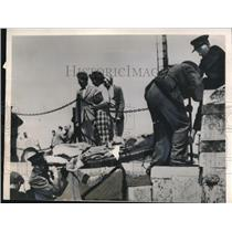 1949 Press Photo Galway Ireland stretchers taken ashore from SS Stalberg rescue